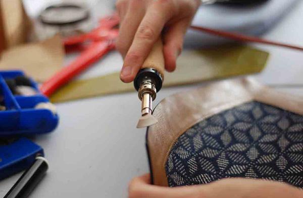 Sac en cuir et coton et lin de créateur fait main